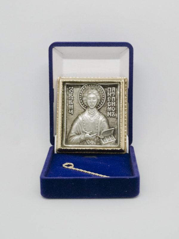 Икона Святой Пантелеимон Целитель серебрение и позолота в футляре